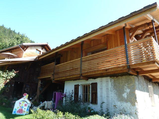 Balcon extérieur en bois